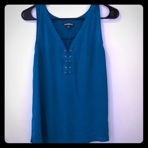 Express Stitch Front Top